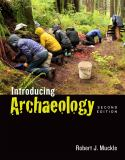 Introducing Archaeology 9781442607859